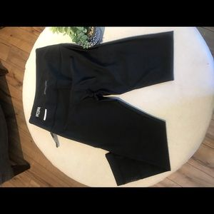 BNWT Black Victoria Secret Leggings Medium